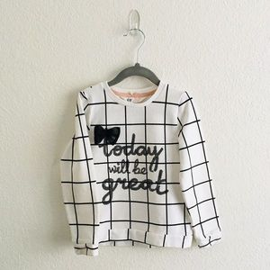 ~FINAL PRICE~ H&M - Black & White sweater